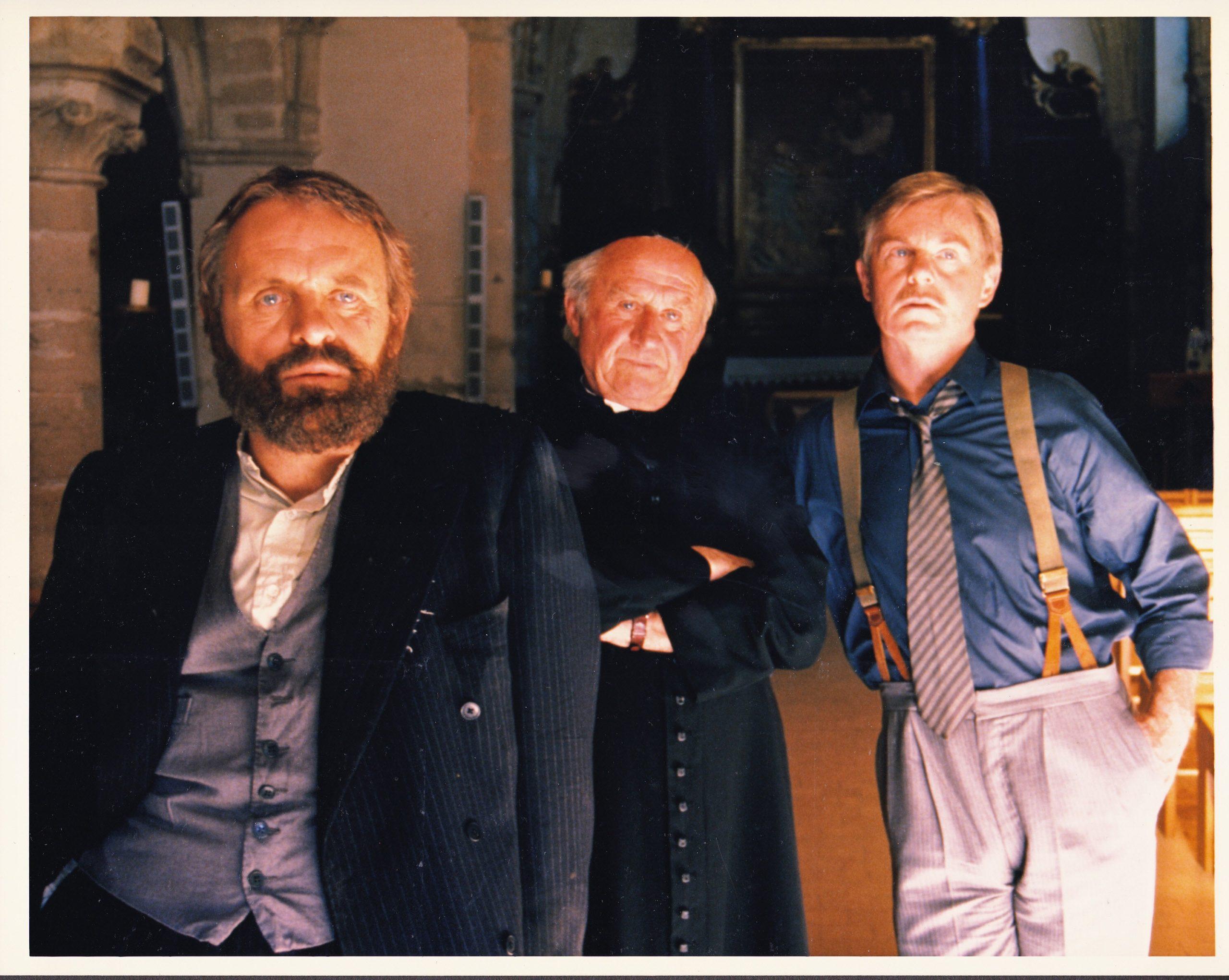 1988.THE TENTH MAN.Jack Golg .(1940.45 ) (19)