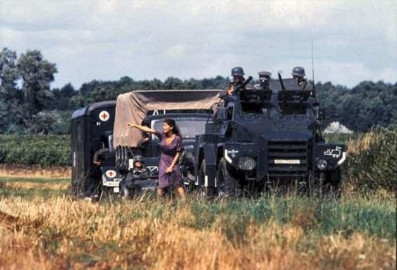 1999.LA BICYCLETTE BEUE.Thierry Binisti.(1968)