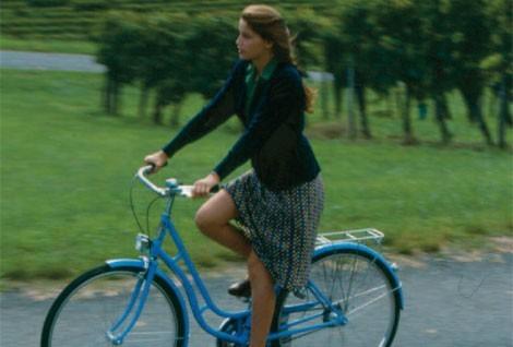 1999.LA BICYCLETTE BEUE.Thierry Binisti.(1976)