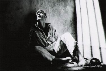 2002.CAYENNE.LES AMANTS DU BAGNE.Thierry Binisti (2)