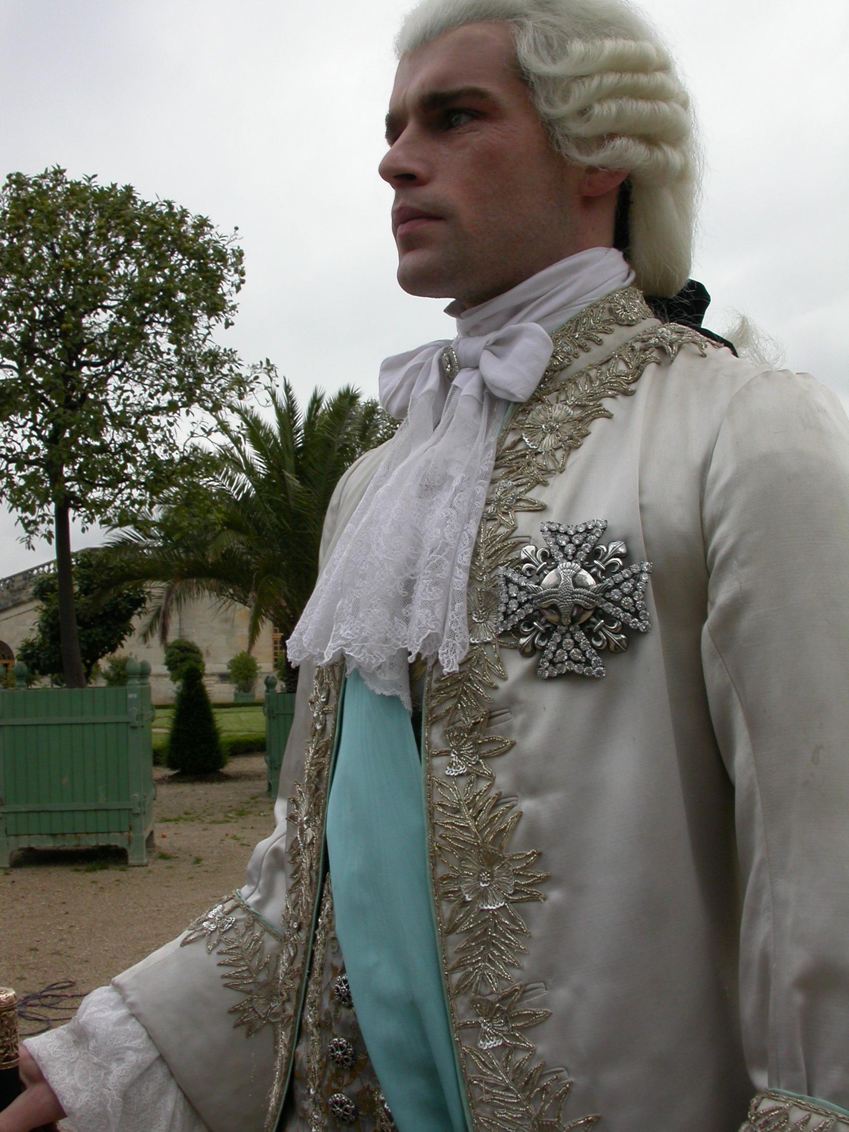 2009.LOUIS XV.LE SOLEIL NOIR.Thierry Binisti. (XVII°) (16)