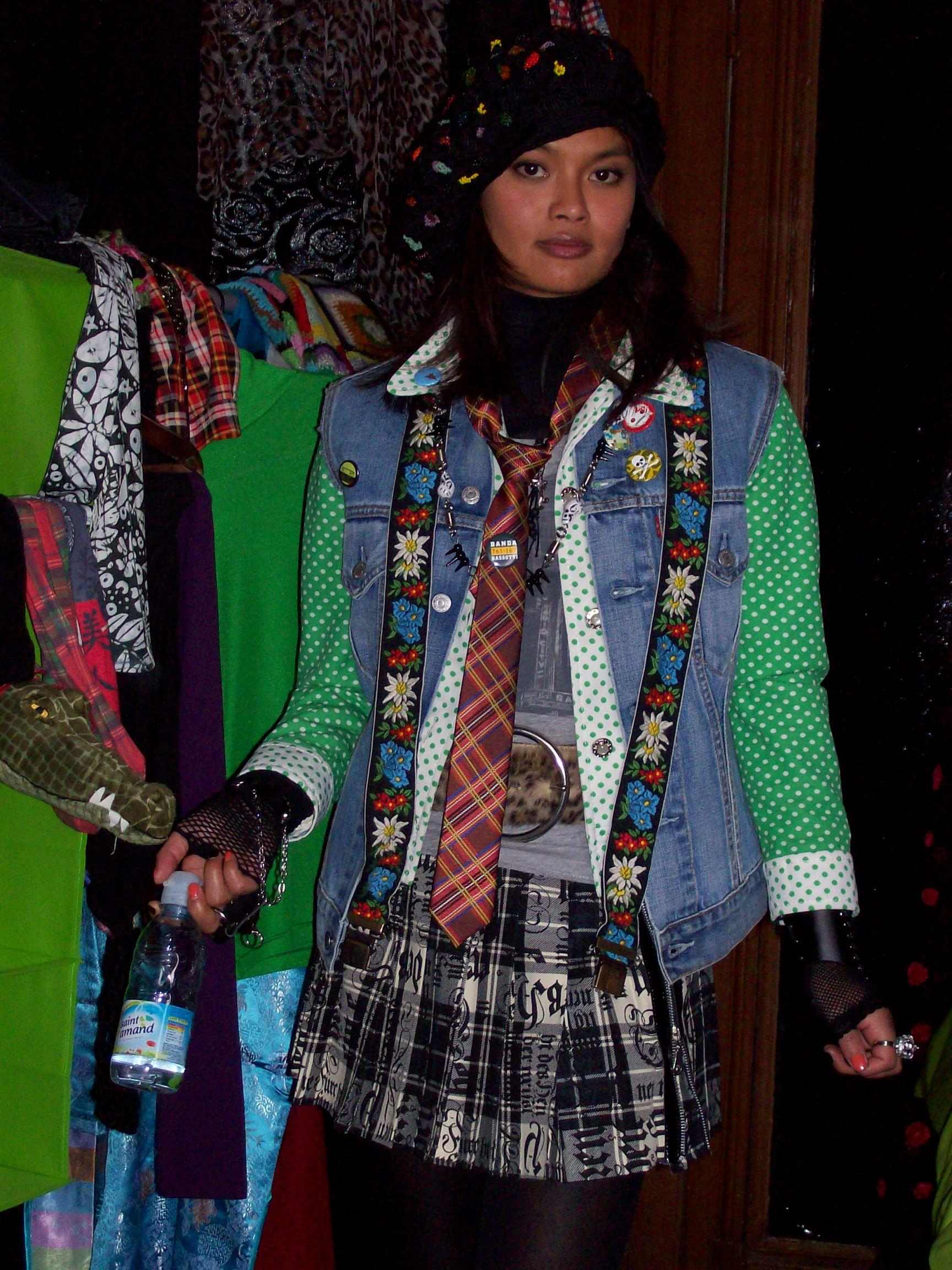 2008.LITTLE VENZHOU.Sarah Levy (4)